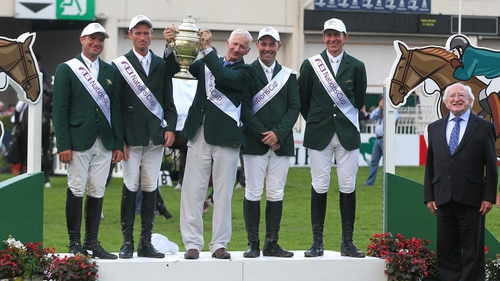 Robert Splaine lifts the Aga Khan trophy in 2012