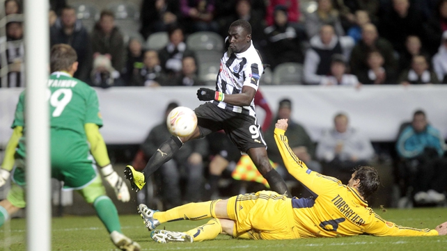 Papiss Cisse had two goals disallowed against Kharkiv