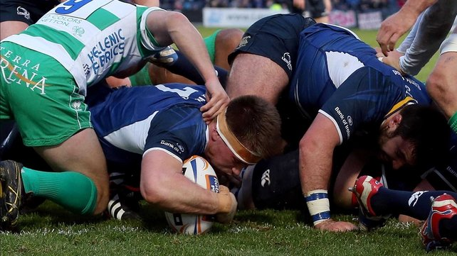 Dominic Ryan goes over for Leinster