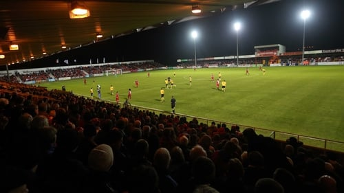 The Showgrounds is the venue as the home side bid to go four points clear at the top of the table