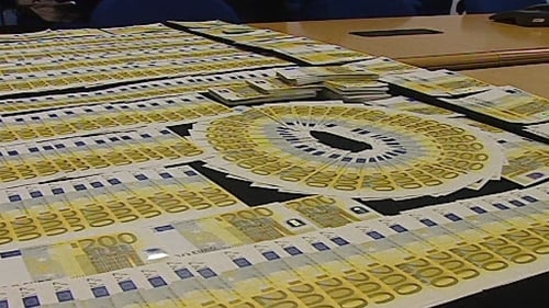 Portuguese police have put the fake notes on display