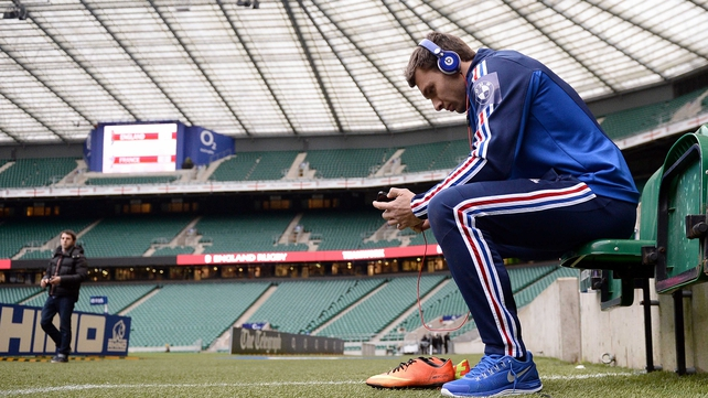What do you think France wing Vincent Clerc is listening to ahead of the game? comment below
