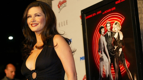 Zeta Jones will reprise her role as Velma Kelly for one song during tonight's ceremony