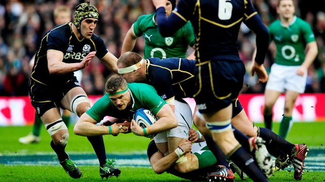 Jamie Heaslip on the attack for Ireland