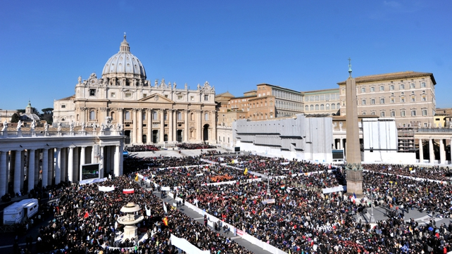 Thousands of people have gathered in St Peter's Square to say goodbye to Benedict