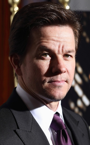 Mark Wahlberg warned Baby singer Justin Bieber to clean up his act, or risk ruining his career.