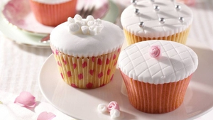 Vintage Style Rose and Quilt-Iced Cupcakes