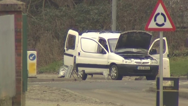 The mortar bombs were found in a van in the Letterkenny Road area of Derry city