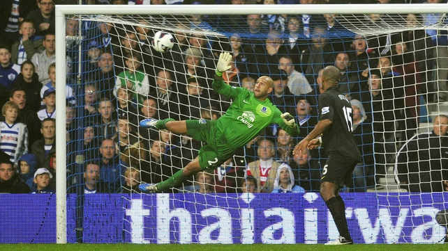 "David Moyes: ""He (Tim Howard) has two fractures, but they are not bones that are supporting anything."""