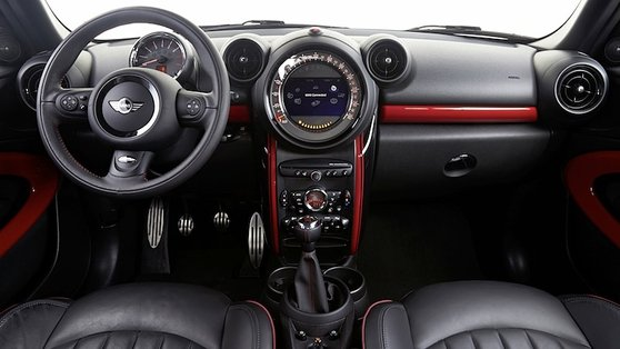 The switchgear is familiar to anyone who drives a Countryman or any MINI