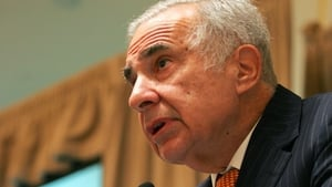 Carl Icahn had successfully lobbied a reluctant eBay to spin PayPal off into a separate company