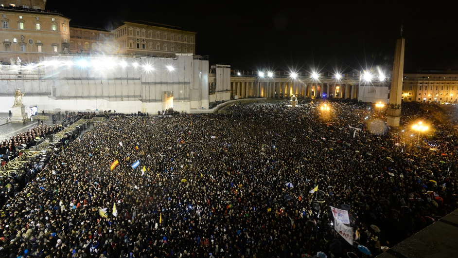 Thousands of people gathered in St Peter's Square to see the first glimpse of the 266th pope