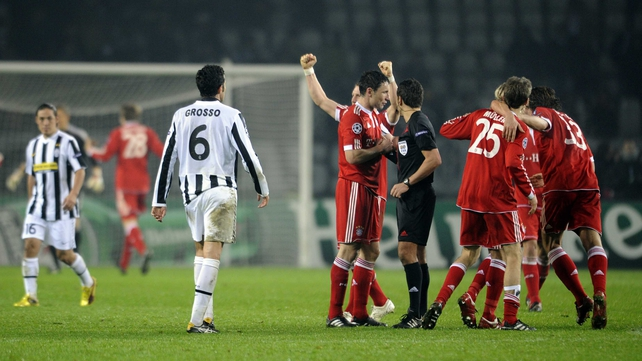 Bayern Munich players celebrate after beating Juventus 4-1 in Turin in 2009