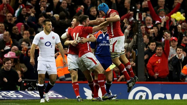 Wales easily beat England to clinch the 2013 Six Nations title