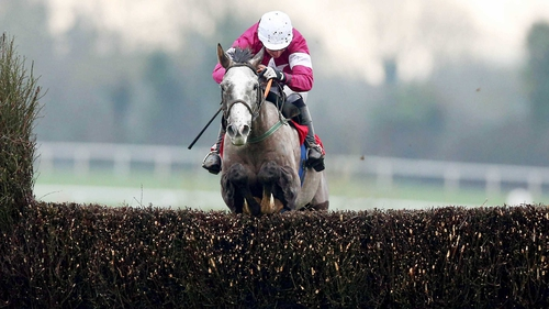 Panther Claw claimed victory in the Irish Stallion Farms EBF Novice Handicap Chase Final