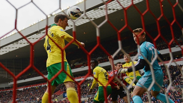 Wes Hoolahan opened the scoring for Norwich with this close-range header