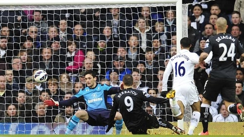 Dimitar Berbatov grabbed the only goal of the game at his former workplace, White Hart Lane