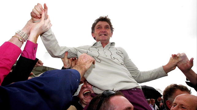 Trainer Mick Winters was on the mark when Missunited battled back to beat favourite Twigline in the Mares' Novice Hurdle