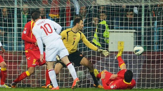 Wayne Rooney opens the scoring