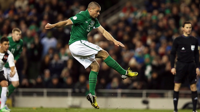 Jon Walters scoring the first goal