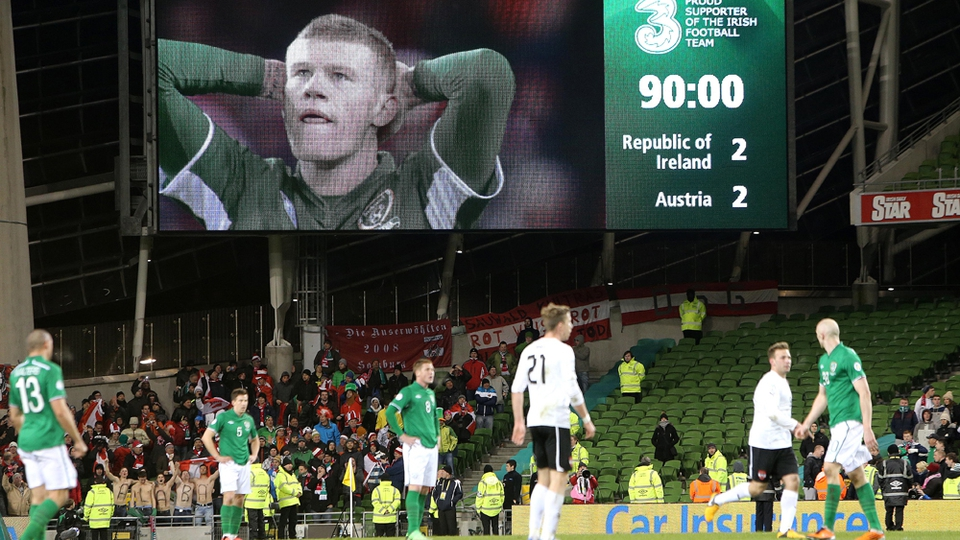 Ireland's quest for World Cup qualification suffered a blow after a 2-2 draw with Austria at Lansdowne Road
