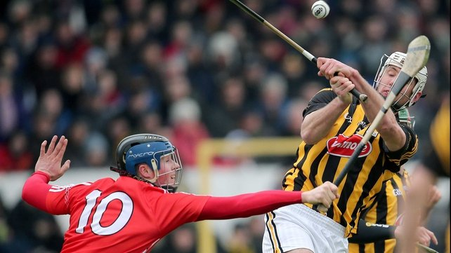 Kilkenny's Michael Fennelly scored late on to help his side to a narrow win