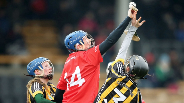 Kilkenny's Mairead Power and Kate McDonald contest a high ball with Aoife Deasy