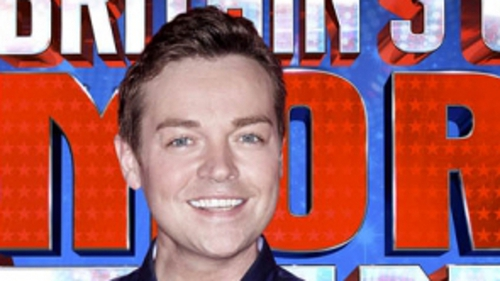 Stephen Mulhern will be back hosting Catchphrase