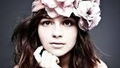 Singer Songwriter Gabrielle Aplin