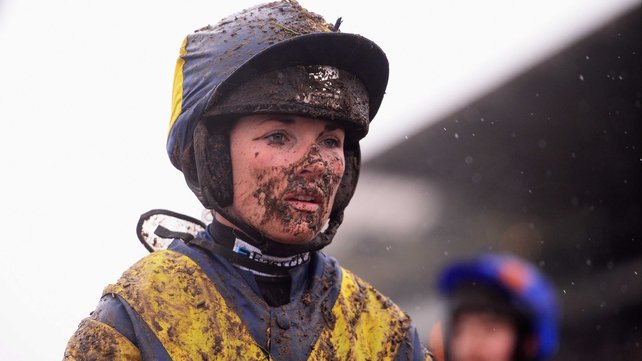 Can Katie Walsh be the first lady rider to win the Aintree Grand National?