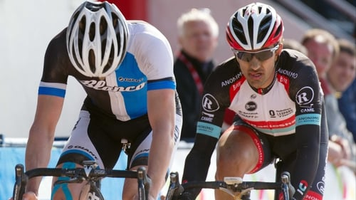 Fabian Cancellara (r) got the better of Sep Vanmarcke in a very tight finish