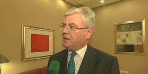 Tánaiste Eamon Gilmore said that he knows there are some in the party who are sometimes more comfortable in opposition