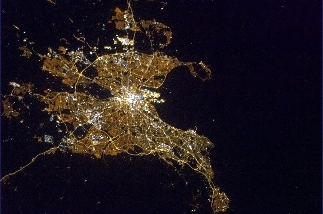 A clear Dublin night in early Spring