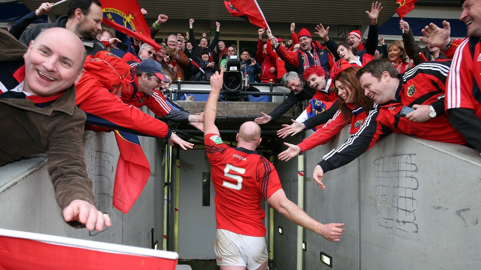 Munster fans congratulate Paul O'Connell following their Heineken Cup victory over Harlequins