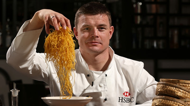 Brian O'Driscoll shows off his cooking skills