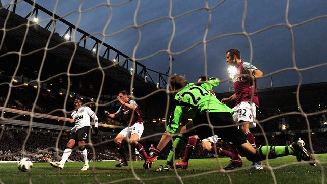 Antonio Valencia scores the equalising goal last night