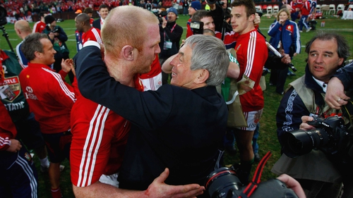 Ian McGeechan hugs Paul O'Connell after the third test against South Africa in 2009