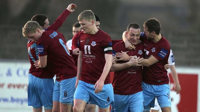 Drogheda United celebrate Gary O'Neill's goal against Sligo in the first leg