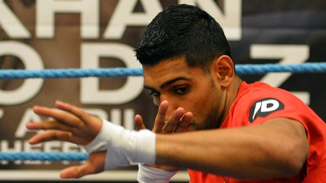 Amir Khan will fight Luis Collazo on 3 May