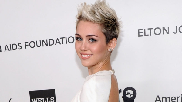 Miley Cyrus thinks chivalry is dead