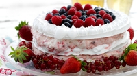 Meringue and berry cake - Everyone deserves a sweet treat every now and again. Enjoy Siúcra's delicious meringue and berry cake. This simple yet decadent dessert is the perfect indulgence to wow friends and family with.