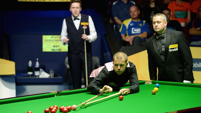 Barry Hawkins is through to the final after beating Ricky Walden 17-14