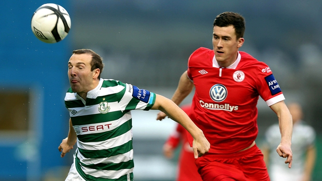 Leaders Sligo Rovers were held by Shamrock Rovers at Tallaght Stadium