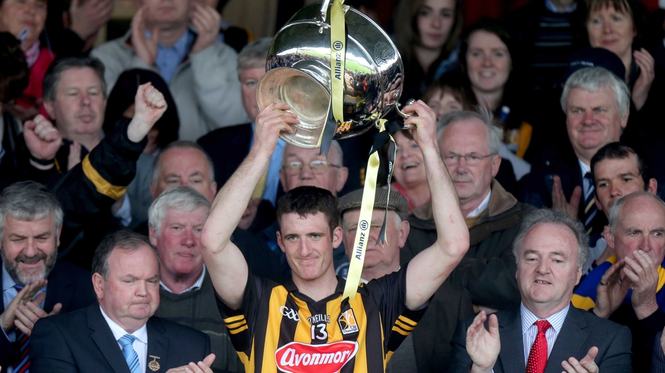 Kilkenny captain Colin Fennelly lifts the Dr Croke Cup after their 2-17 to 0-20 win