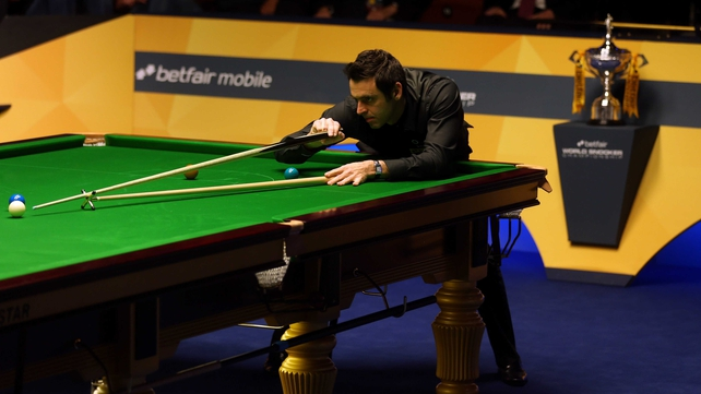 Ronnie O'Sullivan has likened himself to Tiger Woods