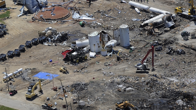 Investigators are still searching for the cause of a fire that preceded the West Texas fertiliser blast saying they would treat the area as a crime scene until all possibilities were considered
