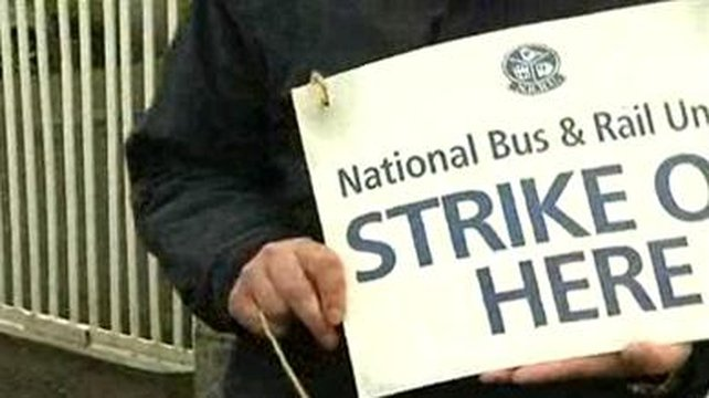 Members of other Bus Éireann unions - SIPTU and the Transport Salaried Staffs' Association - are not passing pickets