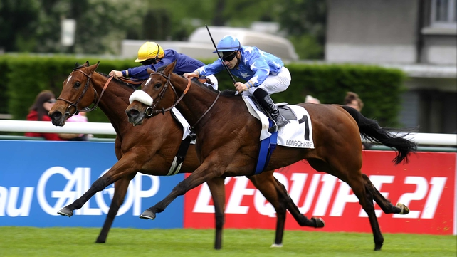 Flotilla (1) brought with a well-timed challenge to beat favourite Esoterique in the French 1000 Guineas