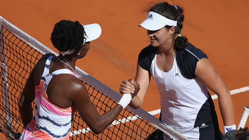 Venus Williams congratulates Laura Robson in Rome