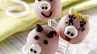 Piggy Cake Pops - Get a bit creative with this very special piggy pops, perfect for getting the kids baking and having fun!
